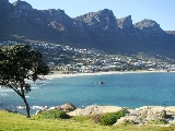 "Camps Bay, im Hintergrund ""The Twelve Apostles"""